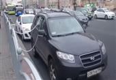سائق يستخدم طريقة غريبة ليحمي سيارته من السرقة