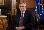 سفير الاتحاد الأوروبي يقف دقيقة حدادا علي روح النائب العام وشهداء سيناء