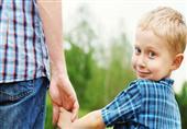 سن الأب يؤثر على طول عمر طفله.. اكتشف
