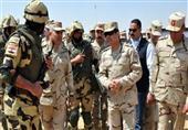 السيسي يرتدي الزي العسكري في زيارته لتفقد القوات بشمال سيناء
