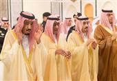 بالصور-  الملك سلمان يؤدي صلاة الجنازة على الأمير عبدالله في المسجد الحرام