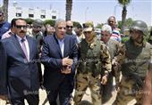 بالصور.. محلب يزور مستشفى العريش وينقل رسالة السيسي للجنود المصابين