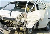 مصرع شخص وإصابة 19 آخرين في حادث تصادم سيارتين بالسخنة