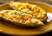 فطار اليوم: بطاطس مبشورة مع جبنة وزيتون