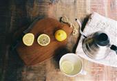 الماء الدافئ مع الليمون: للتخسيس والوقاية من الأمراض