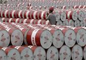 عقود النفط الأمريكي تقفز 5%