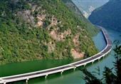 بالصور - الصين تُشيد أول طريق سريع صديق للبيئة