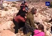 بالفيديو- سيدات فلسطين ينجحن في إنقاذ صبي من الاعتقال