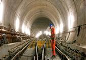 بالصور - سويسرا تنتهى من بناء اطول نفق في العالم