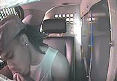 بالفيديو.. مجرم أمريكي يأكل إصبعه ليخفي بصمته