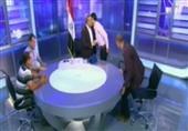 أحمد موسى يُقبل عمال قناة السويس الجديدة على الهواء