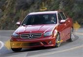 """إحذر من قيادة السيارات التي تفتقر لنظام الـ""""ESC"""".. فيديو"""