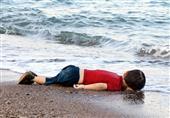 الاندبندنت: إذا لم تستقبل أوروبا اللاجئين بعد صورة الرضيع الغارق فمتى ستفعل؟