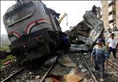 اصطدام قطار بسيارة نقل على خط سكة حديد السويس