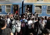أزمة اللاجئين: بودابست تفتح محطة قطارات مهمة أمام العالقين