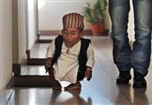 وفاة أقصر رجل في العالم عن عمر يناهز الـ 75 عاماً