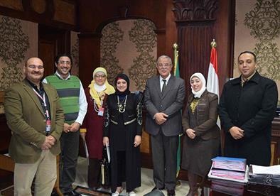 بالصور.. محافظ المنيا يلتقي أعضاء المنتدى الوطني للشباب بشرم الشيخ