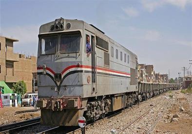 مصرع طفلة دهسًا أسفل عجلات قطار بسوهاج