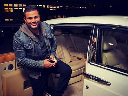 عمرو دياب يكشف موعد إطلاق برنامجه الجديد على شبكة الحياة