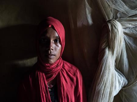 """ماذا تقول لامرأة من الروهينجا اُغتصبت وقُذف طفلها في النار؟.. قصة """"راجوما"""""""