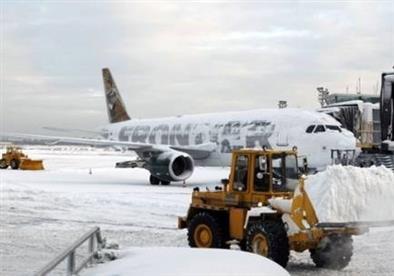 إلغاء آلاف الرحلات الجوية في أمريكا بسبب عاصفة ثلجية