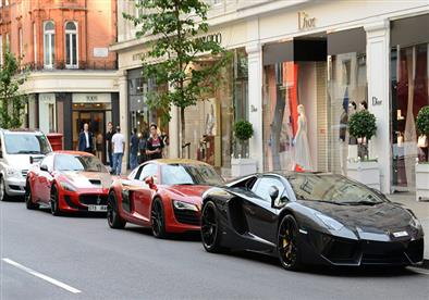 بالفيديو سيارات الملوك العرب الفارهة تجوب شوارع أوربا ولندن