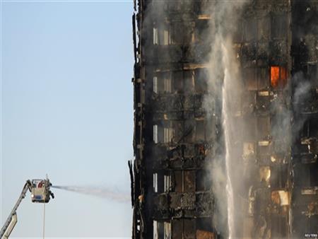 الشرطة البريطانية تدرس توجيه اتهامات بالقتل غير العمد بشأن حريق لندن