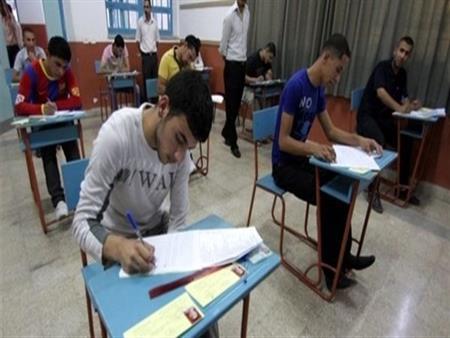طلاب الثانوية العامة يختتمون امتحاناتهم اليوم بمادتي الإحصاء والتربية الوطنية