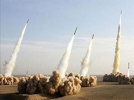 """السفن الحربية الروسية تطلق صواريخ على مواقع لـ""""داعش"""" في سورية"""