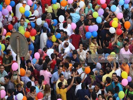فيديو وصور- نجوم الفن في صلاة عيد الفطر