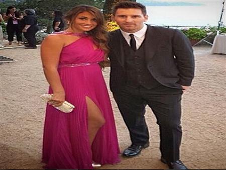 بالصور- مفاجآت ميسي لمدعويه في حفل زفافه