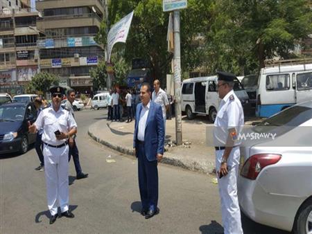 بالصور.. نشر قوات الأمن بمواقف السرفيس.. ومصدر: لمنع زيادة الأجرة بشكل عشوائي