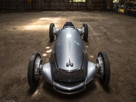 إنفينيتي Prototype 9 .. سيارة سباقات كلاسيكية بمحرك كهربائي