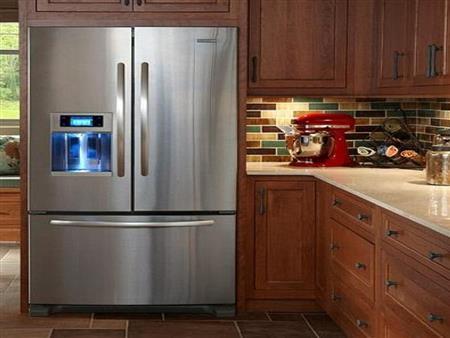 ما المكان المناسب للثلاجة في المطبخ؟