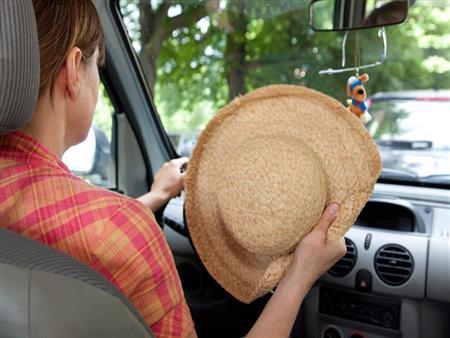 الهيئة الألمانية: فتح نوافذ السيارة أفضل من تشغيل المكيف