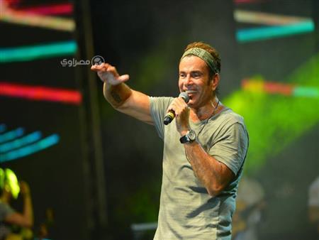 """50 صورة ترصد حفل """"الهضبة"""" في بورتو مارينا بحضور الآلاف من محبيه"""