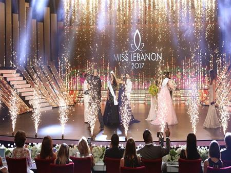 تتويج بيرلا حلو ملكة جمال لبنان لعام 2017