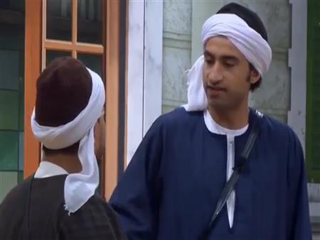 """رد كوميدي من علي ربيع على """"متسول"""" مسرح مصر -فيديو"""