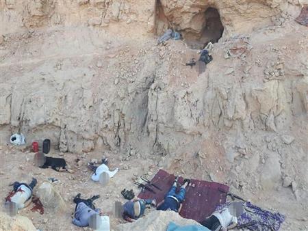 """بكهف جبلي في أسيوط.. """"الداخلية"""" تعلن الكشف عن تمركز مجموعة من العناصر الإرهابية"""
