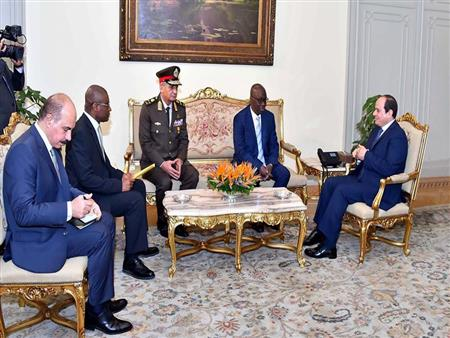السيسي يوجه بتوفير 100 منحة تدريبية عسكرية جديدة للدول الأفريقية خلال 2019