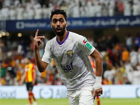 """حسين الشحات يعلق على إشارة الـ""""3"""" للاعب الترجي: """"نفذت طلب إبني"""""""