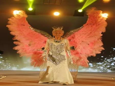 بالفيديو والصور| أعمارهن وصلت لـ105 أعوم.. أغرب عرض أزياء لمسنات في الصين