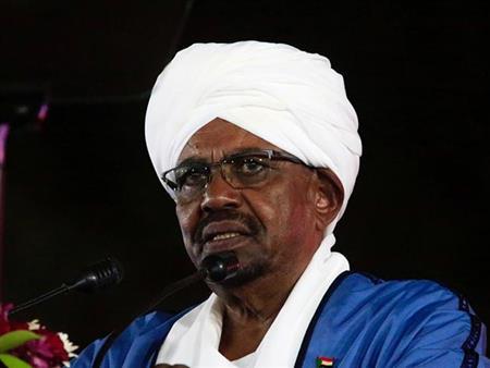 """أبرزها """"حل الحكومة"""".. البشير يتخذ 10 إجراءات لمواجهة الأزمة في السودان"""