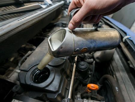لماذا ينصح الخبراء بتغيير فلتر الهواء مع تغيير زيت المحرك؟