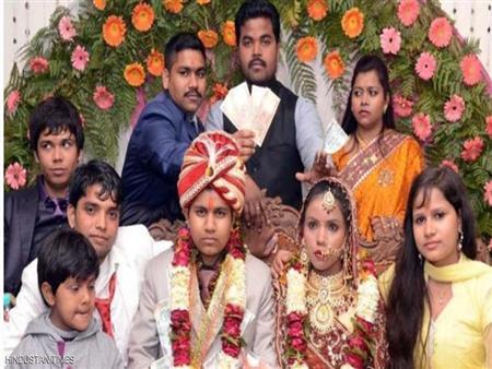 """في بلد العجائب""""هندية انتحلت """"صفة رجل"""".. وتزوجت امرأتين"""""""