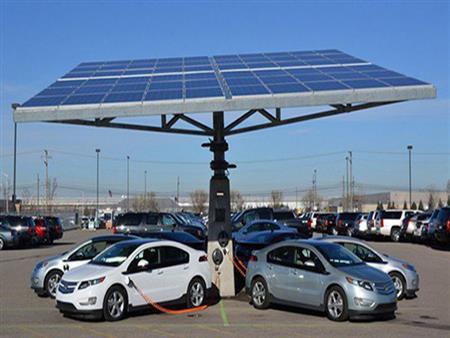 """مقترح باستيراد """"السيارات الكهربائية"""" المستعملة للتغلب على ارتفاع أسعار الجديد"""