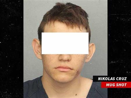 """""""نيوزويك"""" تكشف بطولة طالب في هجوم فلوريدا: تلقى 5 رصاصات لحماية زملائه"""