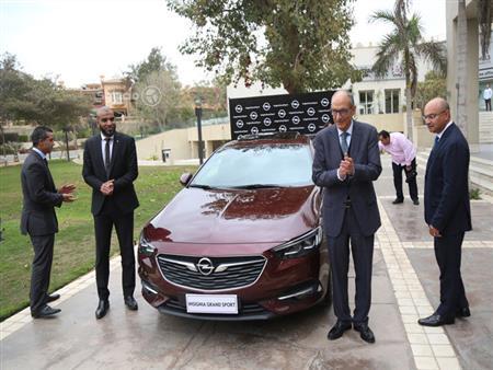 """بالصور.. المنصور تطلق أوبل """"Insignia Grand Sport"""" الجديدة في مصر"""