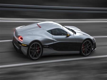 """أسرع سيارة كهربائية في العالم: """"شغّلها بنظرة عين"""""""