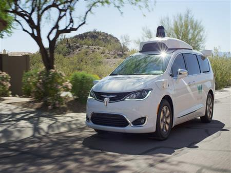 """بالفيديو.. """"Waymo"""" تكشف عن ردود فعل ركاب سيارتها ذاتية القيادة"""
